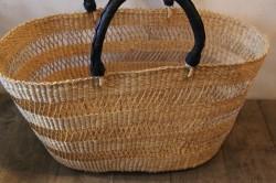 エレファントグラスのボルガ透かし編みかごバッグ
