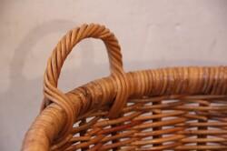 皮付き籐のランドリーバスケット