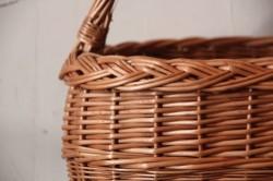 柳のワンハンドル三つ編みかごバッグ