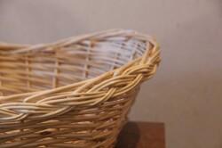 柳の三つ編みラインかご