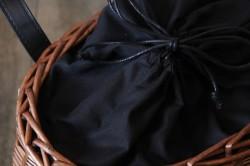 柳のレザーハンドルオーバルかごバッグ