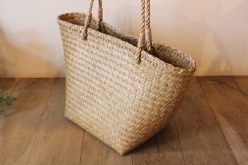 カチュー水草で編んだシンプルかごバッグ