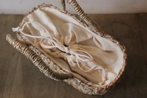 巾着カバータイプの内布付きのイグサかごバッグ