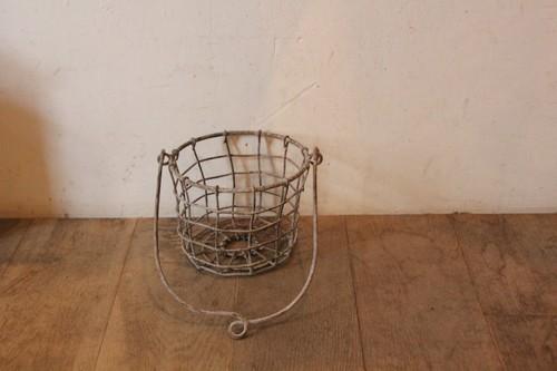 アンティーク風アイアンハンギングポットバスケット