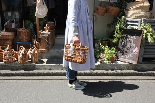 ラカックの透かし編みトートかごバッグ