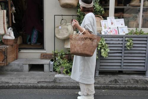 椰子ファイバーの透かしかごバッグ