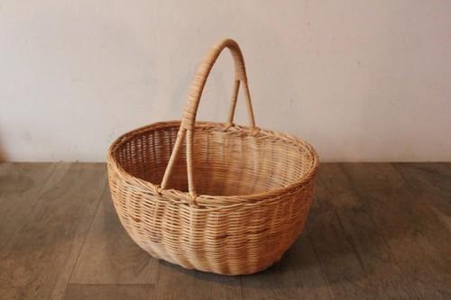 籐ラタンで編んだワンハンドルオーバルかごバッグ
