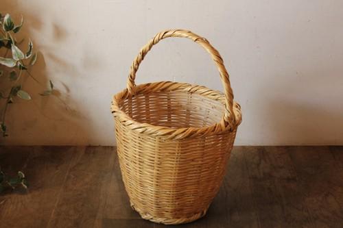 チュニジアのワンハンドル葦かごバッグ