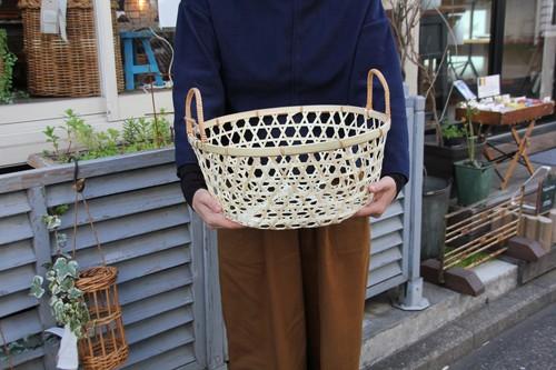 竹のラウンド型手付き六つ目かご