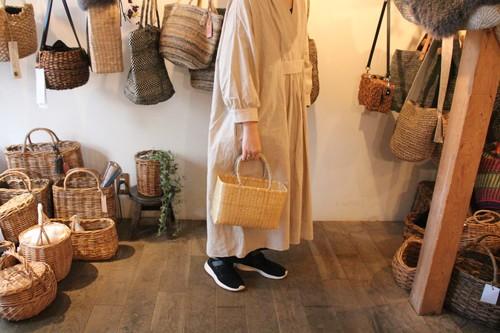 竹の市場かご