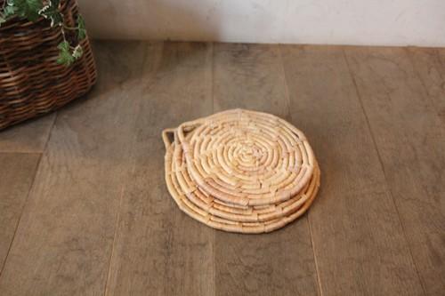 ウォーターヒヤシンスの鍋敷き