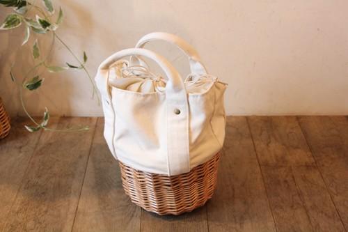 帆布と柳のかごバッグ