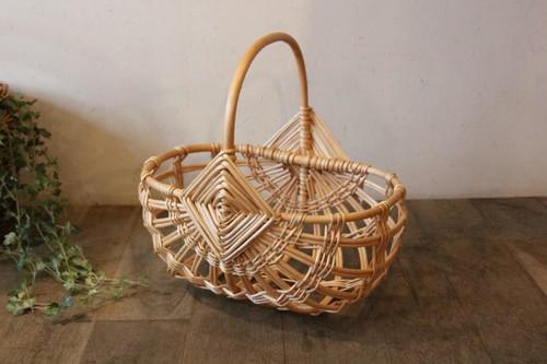 柳のワンハンドルすかし編みかごバッグ