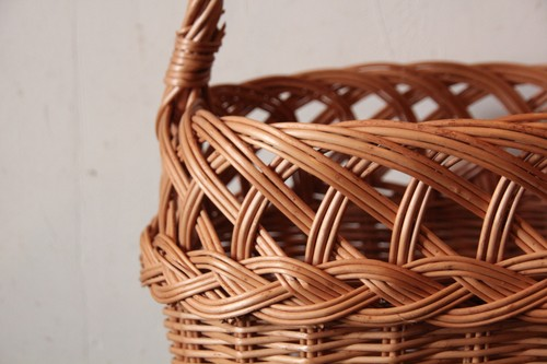 柳のワンハンドル透かし編みかごバッグ