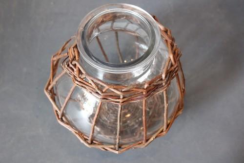 柳とガラスのラウンド型フラワーベース