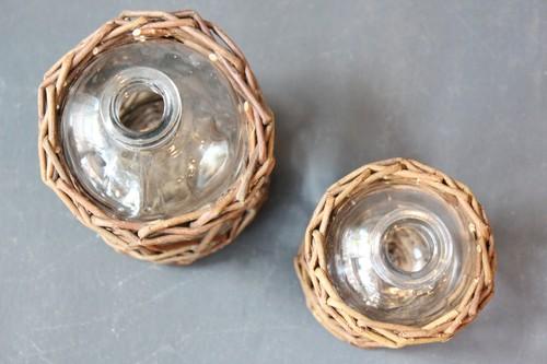 柳とガラスのボトルフラワーベース