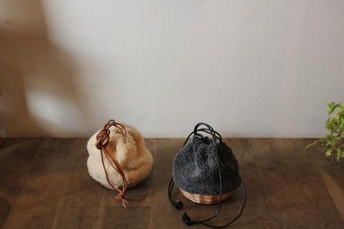 柳とボアの巾着かごバッグ