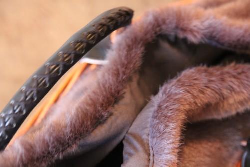 柳とファーのワンハンドルラティス編みラウンドかごバッグ