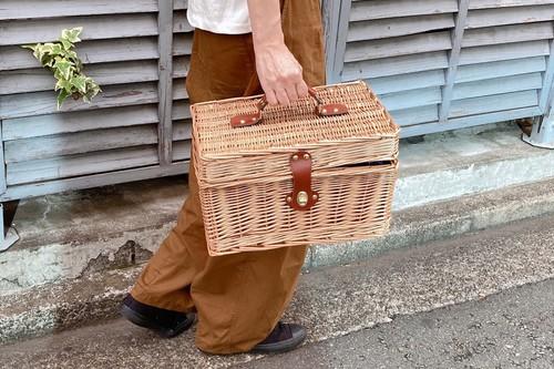 柳のトランクバスケット